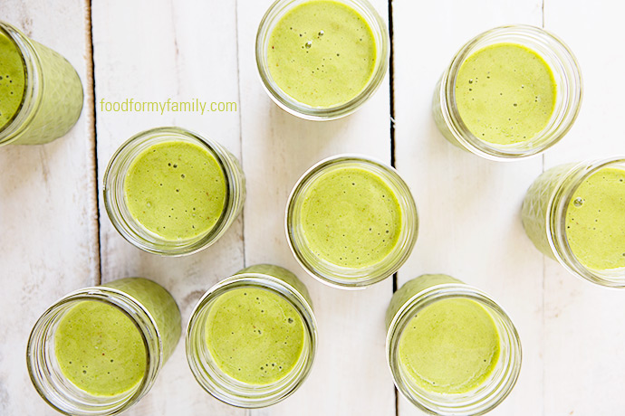 How to Prepare and Pack Freezer Smoothies for School Lunches via FoodforMyFamily.com