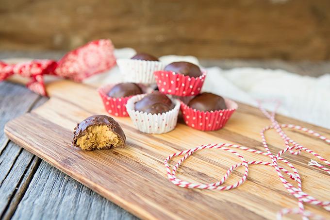 Peanut Butter Ball (Buckeye) #cookies #recipe via FoodforMyFamily.com