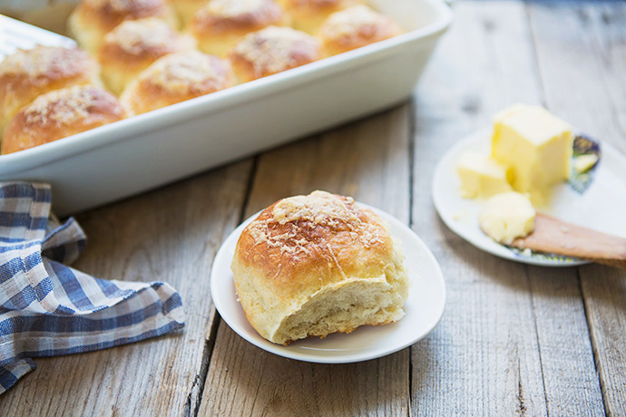 Cheddar-Topped Potato Dinner Roll Recipe | FoodforMyFamily.com